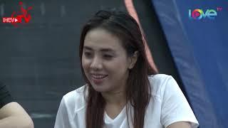 Miko Lan Trinh bịt mắt gom bóng khiến bà mối Cát Tường nể phục😘