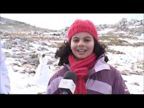 فرحة بتطوان بسبب الثلوج التي غطت جبالها
