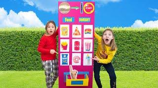 Amelia pretend play with squishy toys vending machine