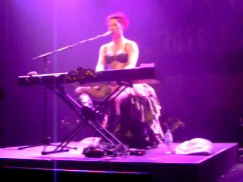Amanda Palmer - Kaledrina (Brisbane, AU 01.03.09)