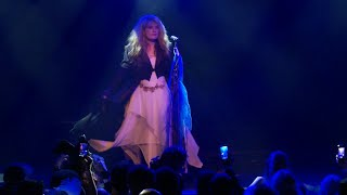 Claudette of Fleetwood Mask as Stevie Nicks