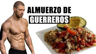 Almuerzo lleno de proteína para aumentar tus músculos