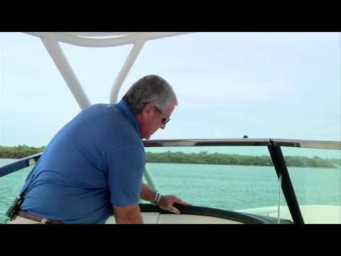 Boston Whaler 270 Vantage video