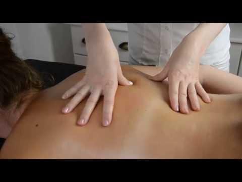 Mädchen saugen mit Prostata-Massage