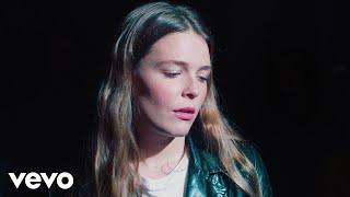 Maggie Rogers   Light On (La Blogothèque – Live In Paris)