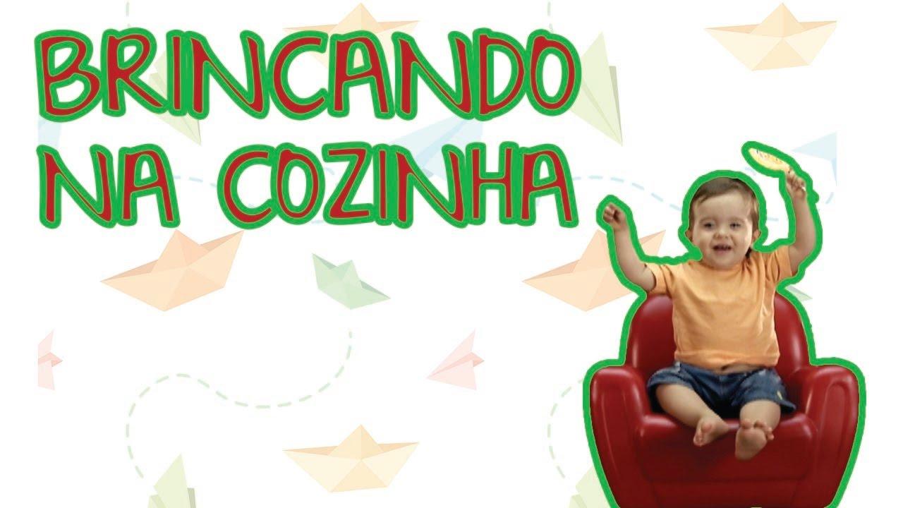 BRINCANDO NA COZINHA | BEBÊ MAIS CASA