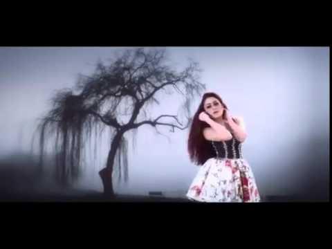 Mahadewi ft. Dewi Dewi - Jauh Semakin Jauh