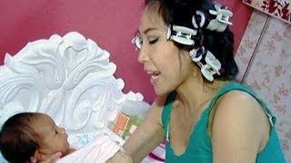 Keseharian Ayu Dewi dengan Aqilah buah hatinya - Intens 22 April 2013