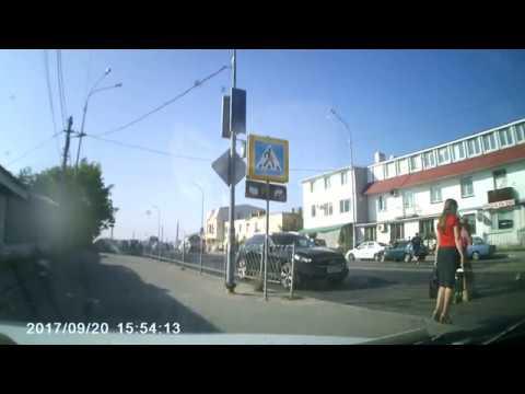 """В Севастополе возле рынка """"5 километр"""" мотоциклист сбил бабушку с ребенком"""