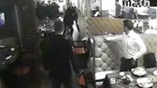 Кровавая драка в московской чайхоне - один боец в реанимации, второй - в полиции