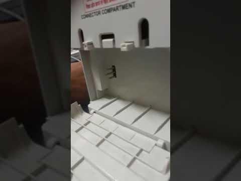 मतदान के बाद वीवीपीएटी बैटरी निकालना