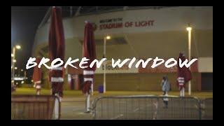 """""""Broken Window"""", par Rob Killburn"""