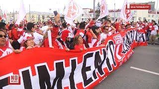 Peru fans in Yekaterinburg / Тысячи перуанцев устроили карнавал перед матчем в Екатеринбурге