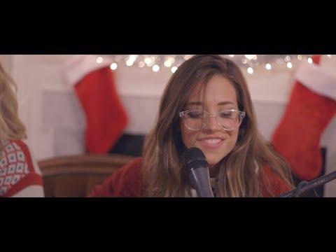 """Josie Dunne  //  """"Feliz Navidad"""" live cover"""