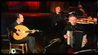 """Video thumbnail of """"2004 - Anouar Brahem - TV5 Monde  - Le Pas du Chat Noir - 2/6"""""""