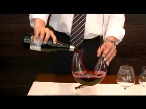 Decantar un vino, por www.winecopa.com