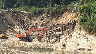 西日本豪雨による山陽本線河内駅付近災害現場盛土崩壊、土砂流入7月25日現在