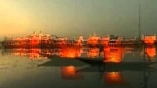 preview picture of video 'Tours-TV.com: Rajbari Lake'