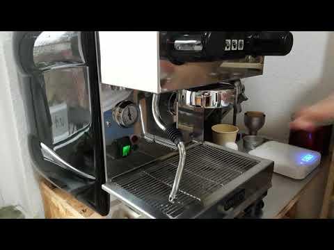 La Scala Eroica 1A (2011) - espresso and cappuccino demonstration
