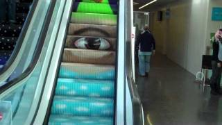 preview picture of video 'Animated Escalators at the Tel-Aviv Municipality Building!'
