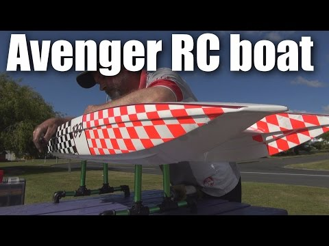 avenger-gaspowered-rc-boat-at-tokoroa