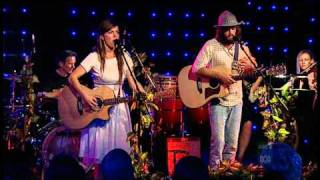 "Angus and Julia Stone-""Here we go again"" in High definition video"