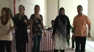 Goyang Bali -diyana-effa-razia.mpg