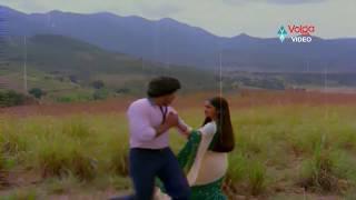 Abhilasha Songs - Urakalai Godavari - Chiranjeevi, Radhika