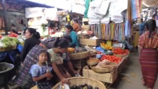 preview picture of video 'Solola, Guatemala - Friday market'