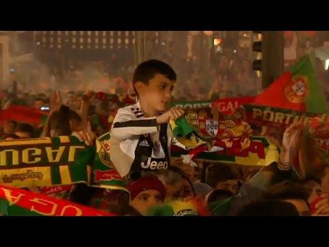 العرب اليوم - شاهد: احتفالات مُبهجة للبرتغاليين بتتويج منتخبهم بأول نسخة من