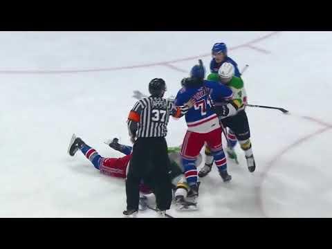 Matvey Guskov vs. Reid Valade