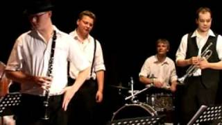 Video Black Melody Jazzband - When The Saints Go Marchin In