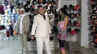 Смотреть онлайн Шокирующая реклама шапок Fomas в Воронеже