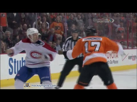 Travis Moen vs Wayne Simmonds
