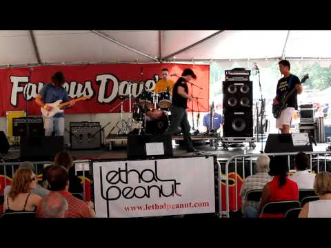 "Lethal Peanut - ""Casanova Blues"" - Live at Capital BBQ Battle 2011"