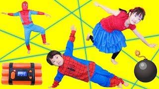 ★「時限爆弾を解除せよ~!」スパイダーマンごっこ!★Spider-ManTimeBomb★