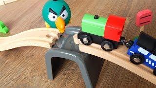 Поезда Деревянная Железная дорога - Переправа - Видео для детей про машинки игрушки
