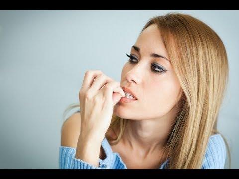У людей, которые грызут ногти, в характере есть 13 особенностей. Вот они