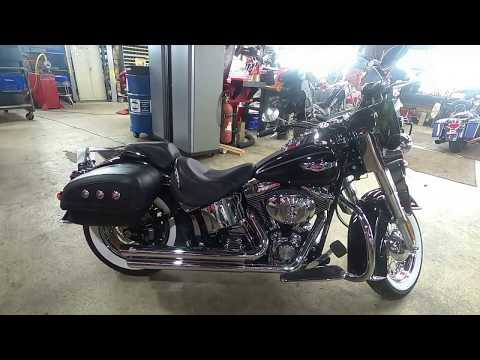 2006 Harley-Davidson Softail® Deluxe in South Saint Paul, Minnesota - Video 1