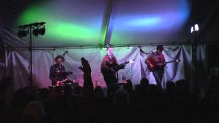 """Aoife O'Donovan """"Porch Light,"""" """"Hornets,"""" and """"Beekeeper"""" at North Shore Point House Concerts"""