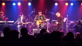 Johnny B. Good and Little Queenie Tony Sheridan and Demian Bell