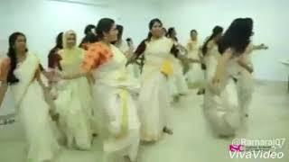 Jimikki Kammal Dance With Margazhiye Mallikaye Song