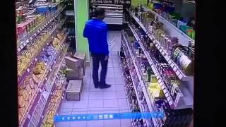 поймали вора в магазине