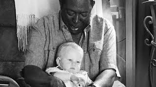 Neighbor Asks To Hold Baby Then Father Takes Close Look At Photo And Exposes Truth.