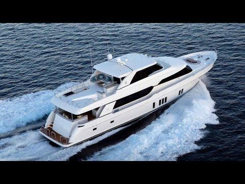 Tour the 2018 Ocean Alexander 100 Luxury Yacht