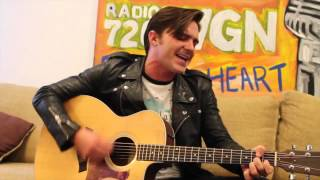 Drake Bell - Makes Me Happy (Acoustic) - WGN Radio 2015