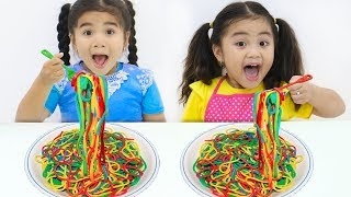 Suri & Annie Pretend Play Making Colorful Play Doh Noodles