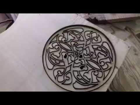 كيفية صناعة قطع آلة العود في ورشة كلية الفنون الجميلة