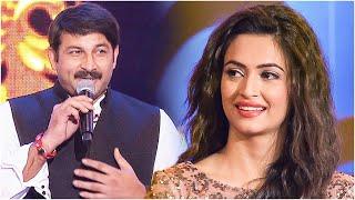 Gorgeous Kriti Kharbanda Adoring Bhojpuri Actor and BJP MP Manoj Tiwari's Awesome Singing