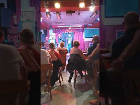 Yikes    This Guy Showed Up To A Karaoke Bar To Sing